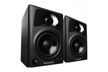 Speakers / Headphones / Amplifiers | Av42xus